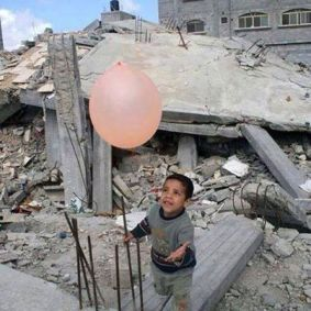 boy_with_balloon